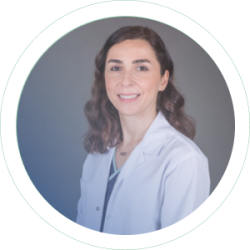 Dr. Seda OzyoneyCEO, Prosthodontist, Inplantologist